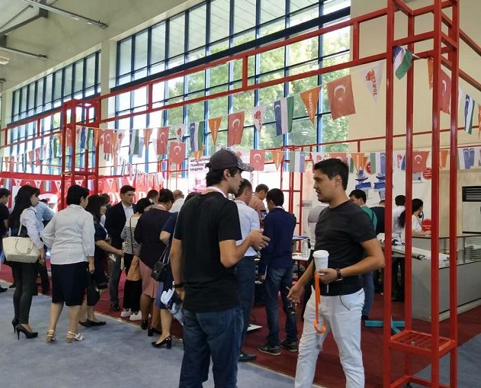 中国(晋江)国际纺织服装面料辅料及纱线展览会_现场照片