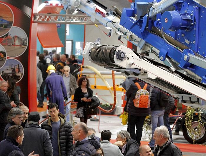 意大利维罗纳国际工程机械展览会_现场照片