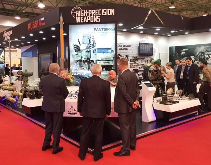 科威特国际海湾防务与航空航天展览会_现场照片